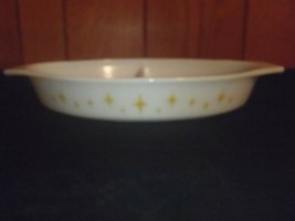 Vintage Pyrex Promo Atomic Starburst Yellow Divided Casserole Dish - $37.39