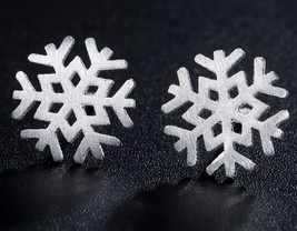 Ethnic Snowflake Stud Earrings Ice Flower Earnings - $9.99