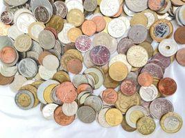 +9 lbs Foreign Coins Bulk World Token Tax Gaming Older Coins Lot Souvenir image 4
