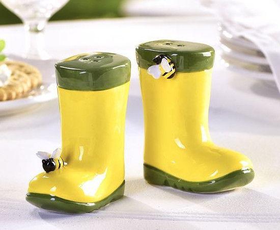 Rainboot w Bumble Bee Design Salt & Pepper Shakers Ceramic Green & Yellow