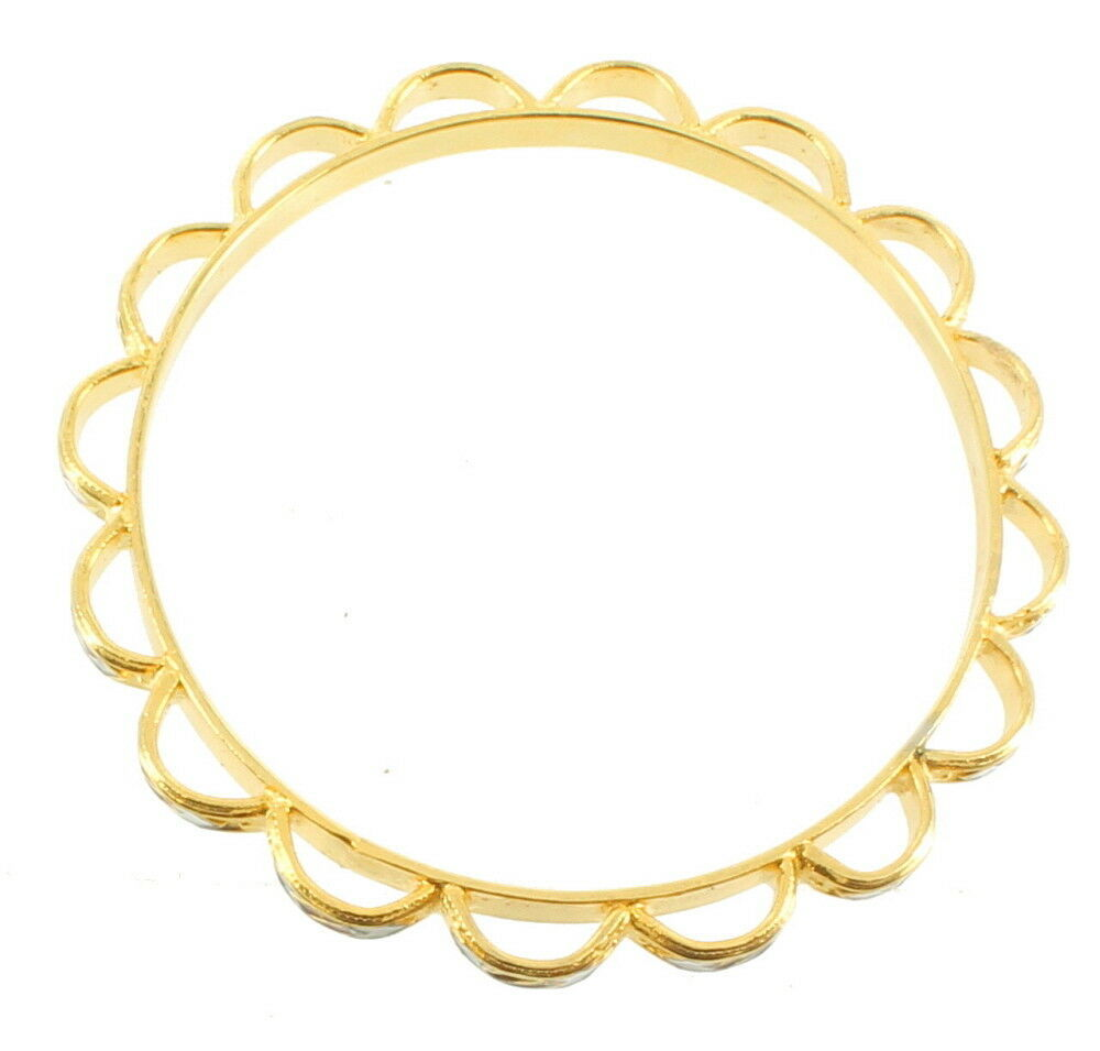 "VINTAGE GOLD TONE SCALLOP DESIGN RED & WHITE ENAMEL PAINT BANGLE BRACELET 7.5"" image 3"