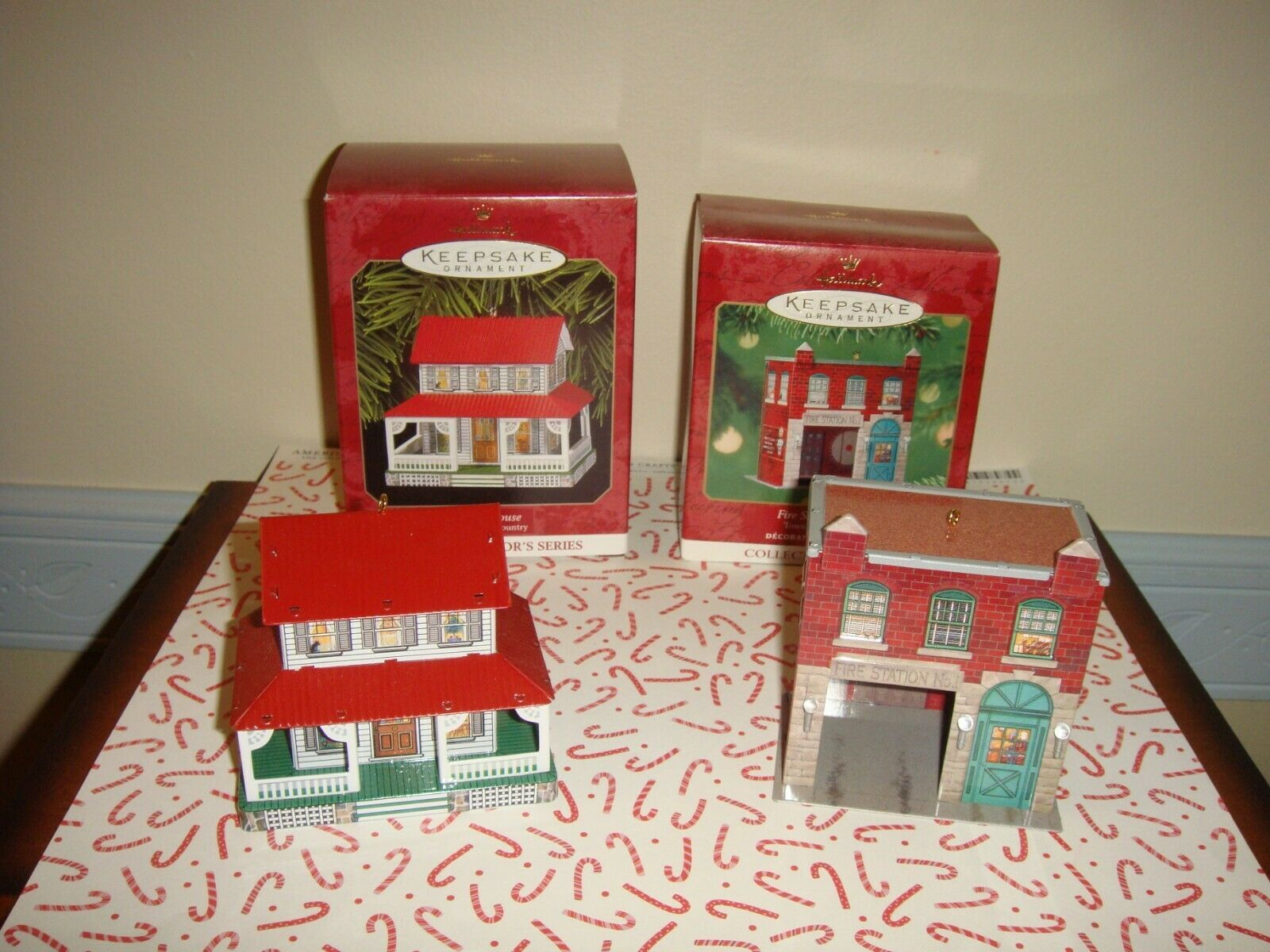 Hallmark 1999 & 2001 Town And Country Series 1 & 3 Ornaments