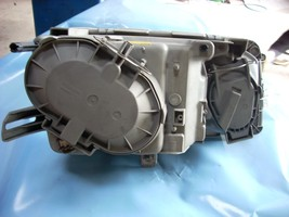 1985 MERCEDESBENZ 380 LEFT HEADLAMP ASSEMBLY image 4