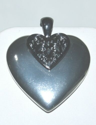 Generic Fashion Pendant Silver Colored 2 Inch Heart Magnetic Loop
