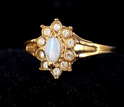 Vintage Mid Century Gold Plated Australian Opal White Red Blue Flash Rin... - $62.09