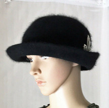 Betmar NY Women's Hat Black Angora Blend Super Soft Vintage Pin Included - £28.76 GBP