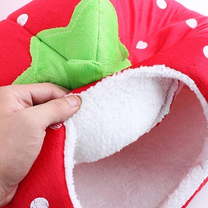 (red size S)Foldable Cat Dog Warm Cushion House Soft Strawberry Shape Pet D