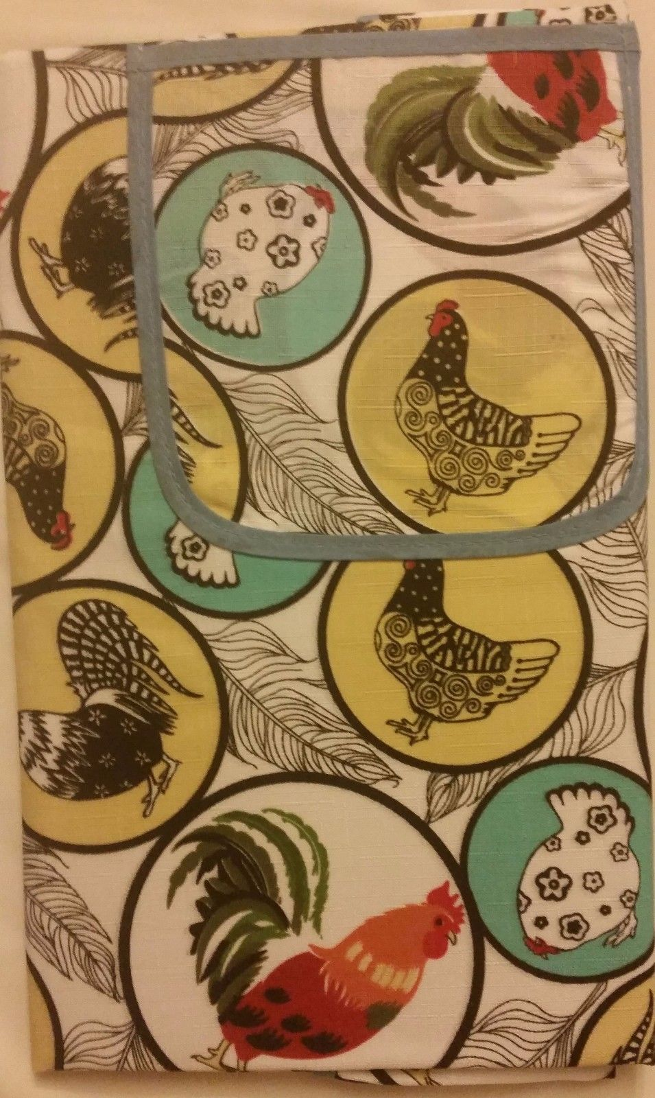 "Kitchen Apron,23"" x 36"", w/pocket & detachable towel, ROOSTERS IN CIRCLES by CV - $14.84"