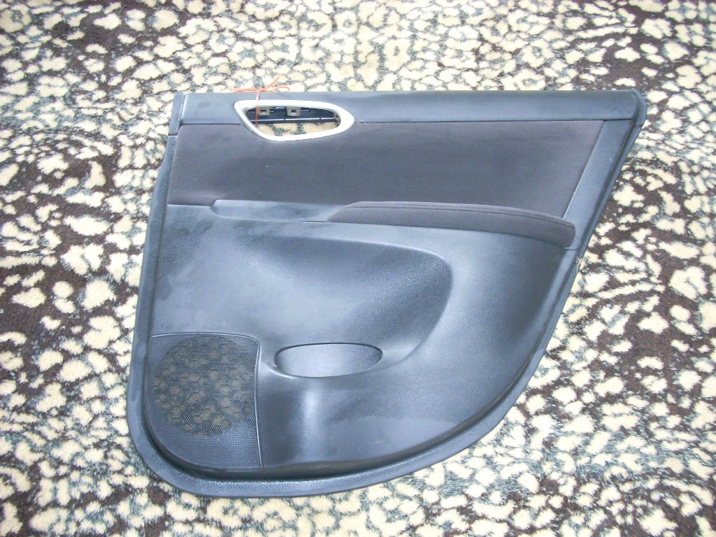 2013 NISSAN SENTRA RIGHT REAR DOOR TRIM PANEL BLACK WITH GRAY MOULDING