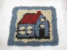 "OLD Country Cottage w Red Roof  Woven 9 x 10""  Rag Hooked Chair Pad T11 - $29.69"