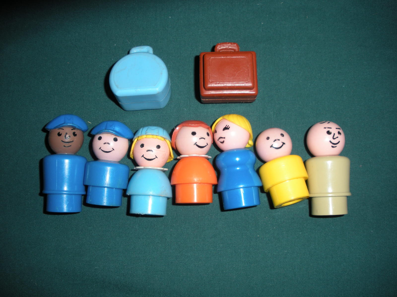 Vintage Fisher Price Play Family #933 Jetport Complete/VG+-VG++ (E) image 2
