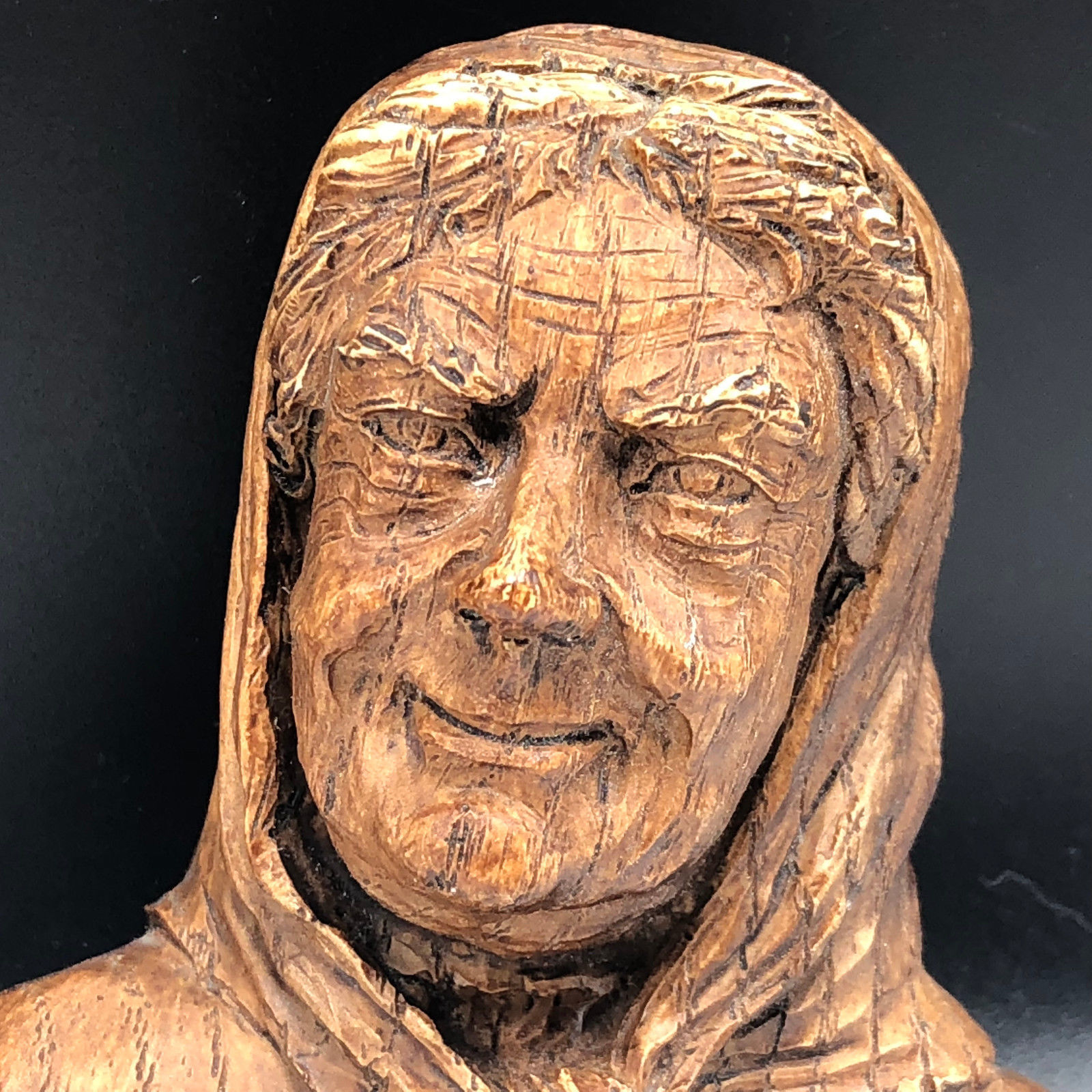 BLACK FOREST VINTAGE wood carved figurine Germany old lady kerchief woman bust