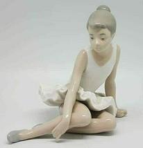 NAO LLADRO #147 SITTING BALLERINA BALLET SENTADA SEATED GIRL DANCER FIGU... - $59.39