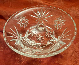 "Vintage Starburst Three Legged Pressed Glass Candy Condiment Bowl 7"" Diameter image 7"