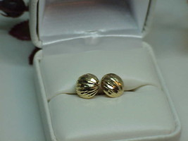 Vintage Solid 14K Yellow Gold Diamond Cut Circle Stud Earrings .8 Grams Dainty - $49.49