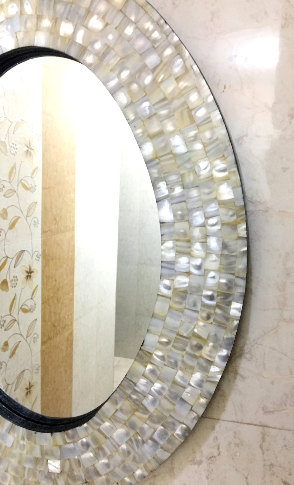Decorative Beveled Oval Wall Mirror With White Mother Of