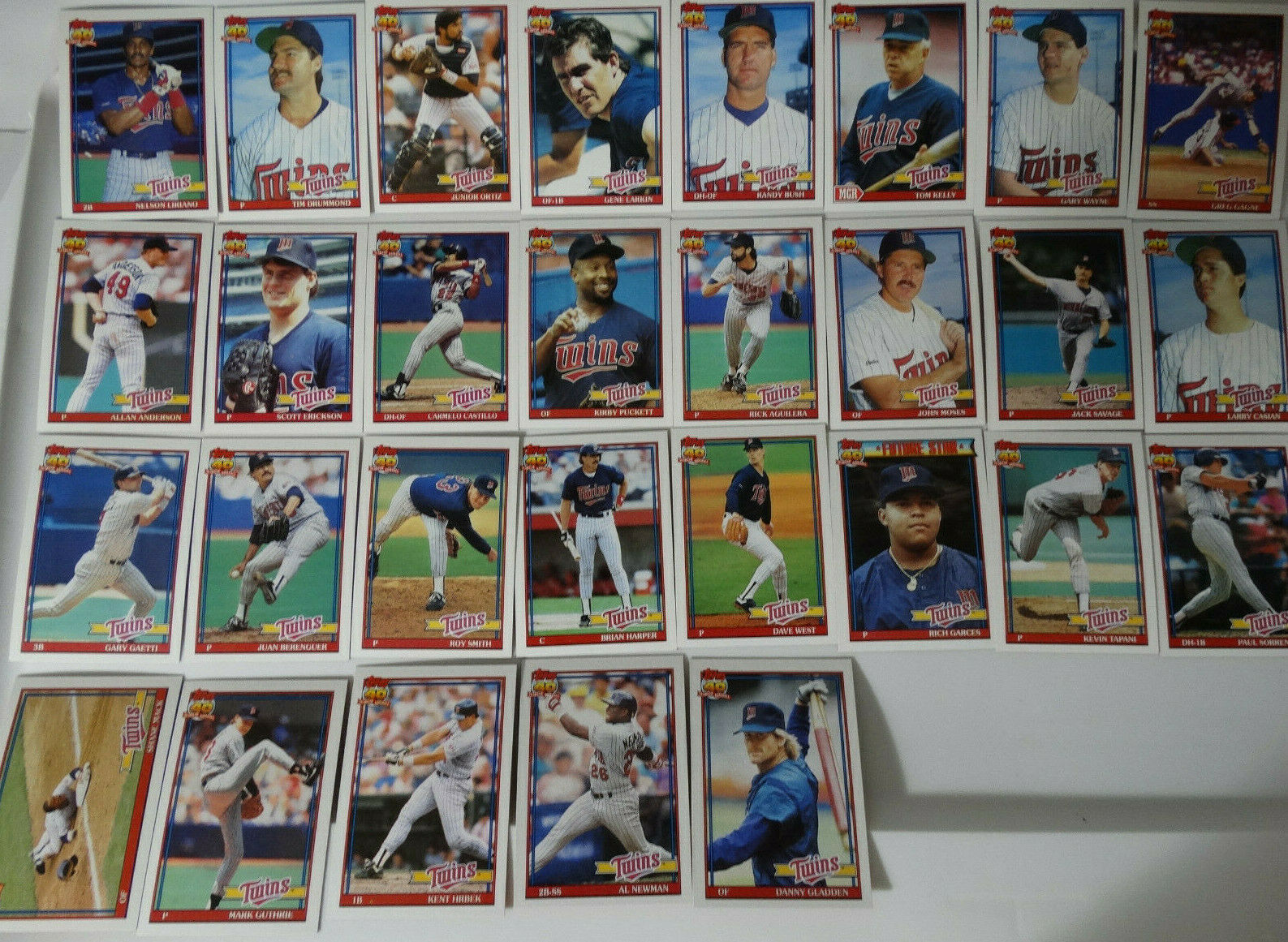 1991 Topps Minnesota Twins Team Set of 29 Baseball Cards