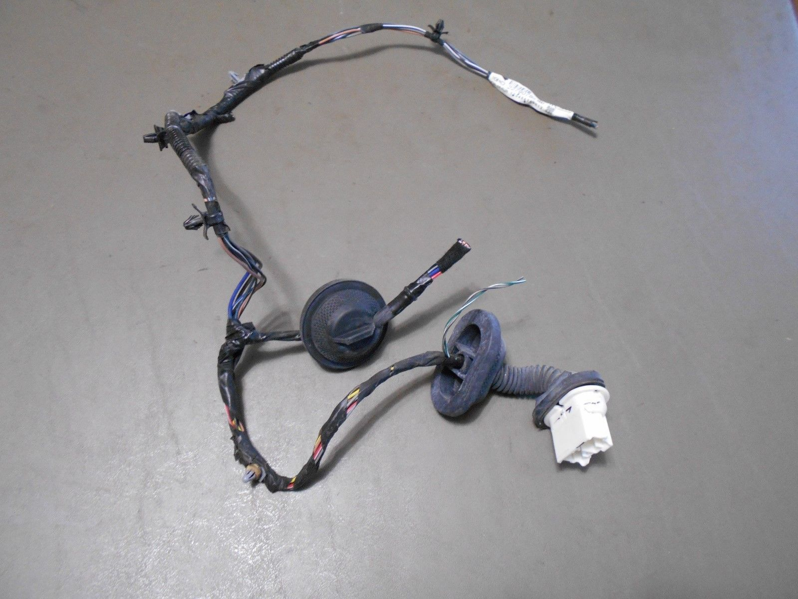 Primary image for 12 2012 Chevy Equinox Drivers Side Rear Door Plugs Into Car Body Pigtail Wires
