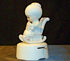 Precious Moments The Purr-fect Grandma Music Box AA-191907 Vintage Collectible image 2