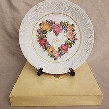 "VINTAGE 1987 Avon Collector Plate ""A Bouquet of Love"" New in Box - $2.92"