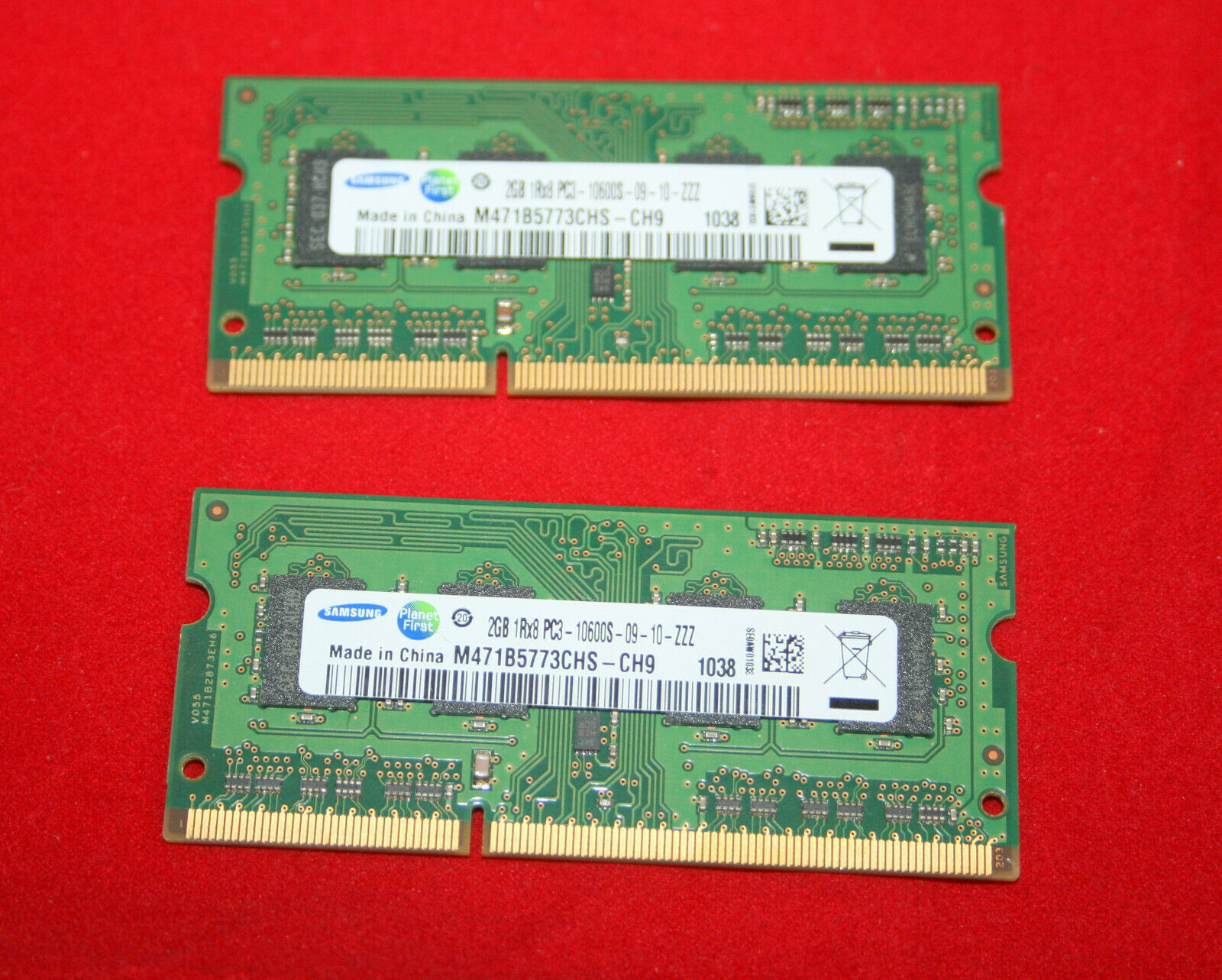 Primary image for Samsung 4GB (2x2GB) 1Rx8 PC3-10600 DDR3-1333 Laptop RAM  Memory M471B5773CHS-CH9