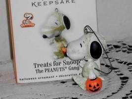 Hallmark HALLOWEEN Ornament Treats for Snoopy 2010 - $11.88