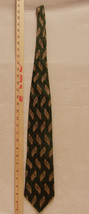 Bill Blass Black Label Mens Imported Silk Tie in Green Stripes With Gold Design - $11.87