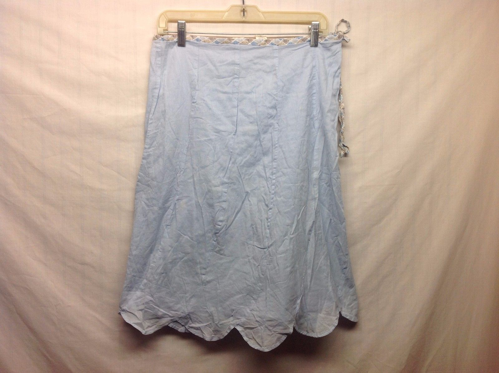 Pale Blue Knee Length Skirt w Scalloping Sz 6