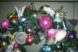 Fabulous Retro Christmas Ornament Wreath with lots of Angels and Balls! image 3
