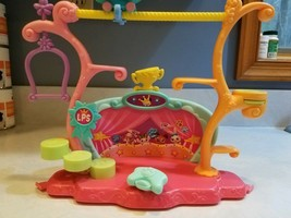 2006 Hasbro Littlest Pet Shop Tricks & Talent Show Stage Play Set - no pets - $8.99