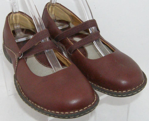 Born 'Bittersweet' burgundy leather round toe elastic mary jane flats 7 EU 38