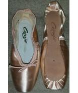Capezio Nicolini N156X Pointe Shoes Size 2.5C 2.5 C - $51.23