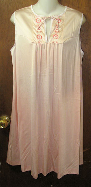 VTG JCPenneys Short Nylon Nightgown Size Medium Peach  JCPenneys