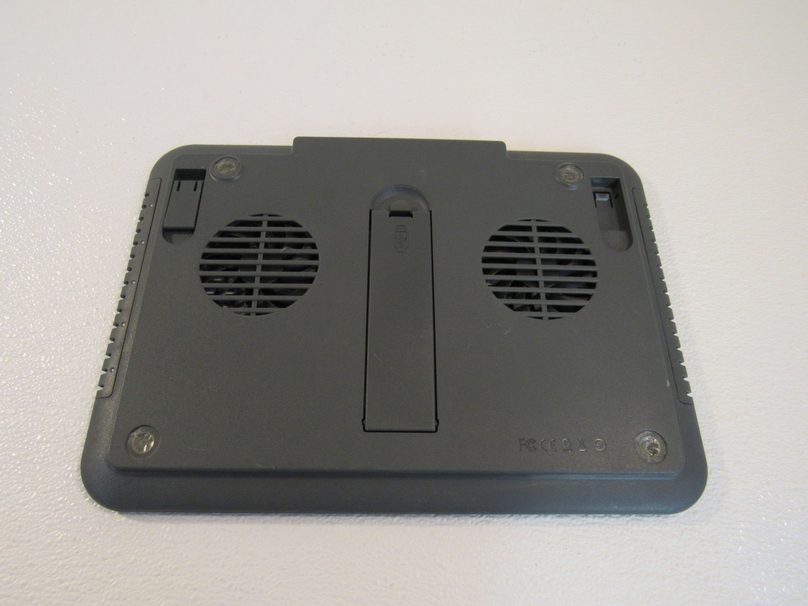 Targus Laptop Cooling Station Chill Hub Charcoal AWE01US1