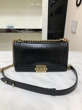 AUTHENTIC CHANEL BLACK SMOOTH CALFSKIN LEATHER MEDIUM BOY FLAP BAG ANTIQUE GHW