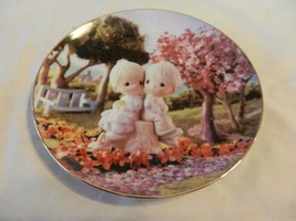 Love One Another Precious Moments Collector Plate Sam Butcher (H1) - $39.59