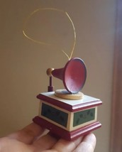 """Vintage Enesco Designed Giftware 1987 Record Player Shaped Music Box Ornament 3"""" - $28.04"""