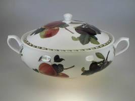 Rosina Queens HOOKER'S FRUIT Covered Vegetable Server - $68.21