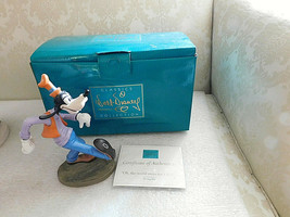 WDCC GOOFY OH THE WORLD OWES ME A LIVING FIGURE - $148.50