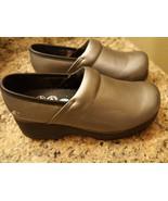 NEW! SKECHERS Work Clog Women's Size 6 Silver Slip Resisitant - $39.99