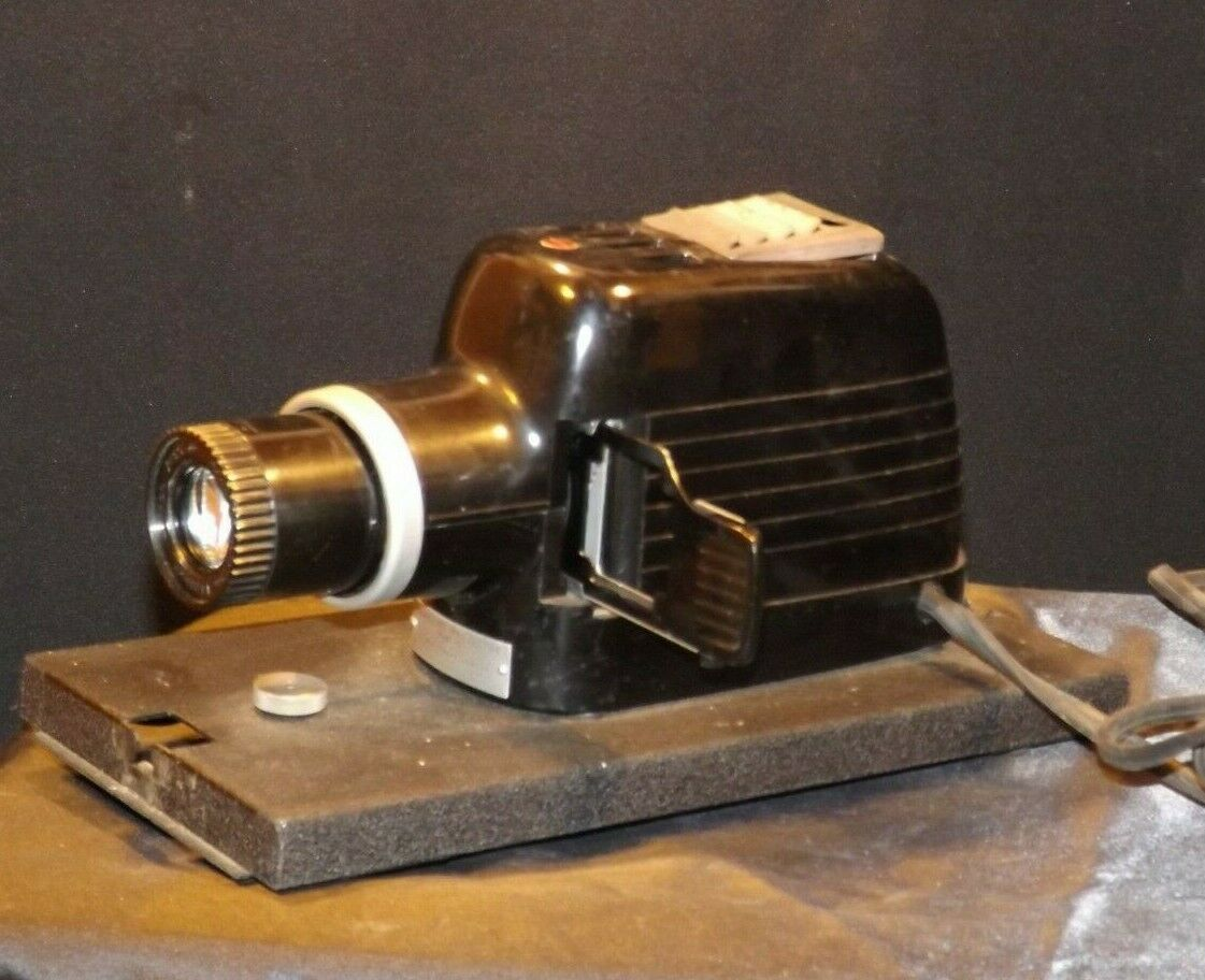 Kodaslide Projector Model 1 A USA AA19-1607Antique