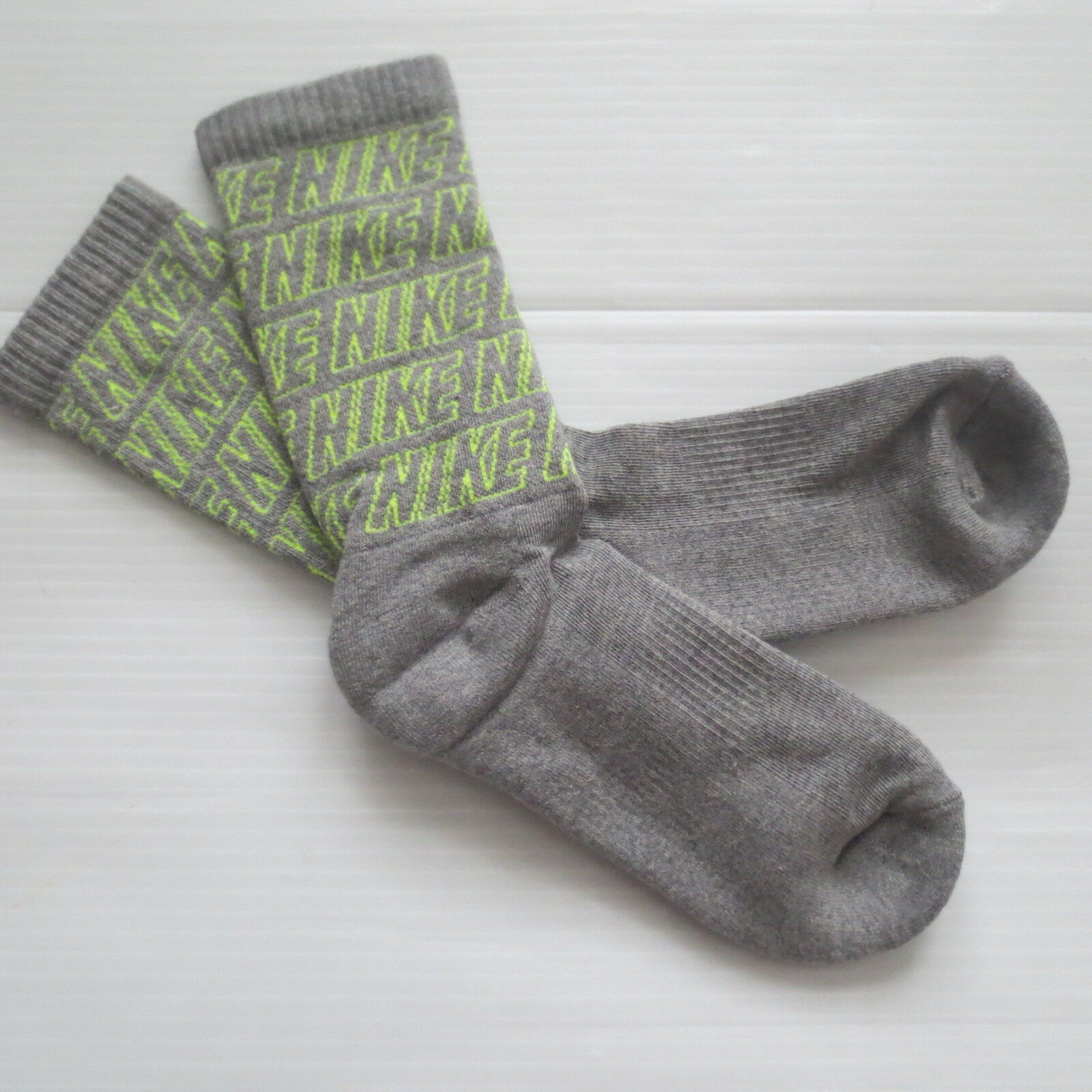 Nike Youth Performance Crew Socks - SX5815 - Gray - Size M - NEW