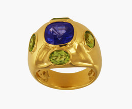 18K Yellow Gold Unisex Ring With Sapphire And Peridots - $1,950.00