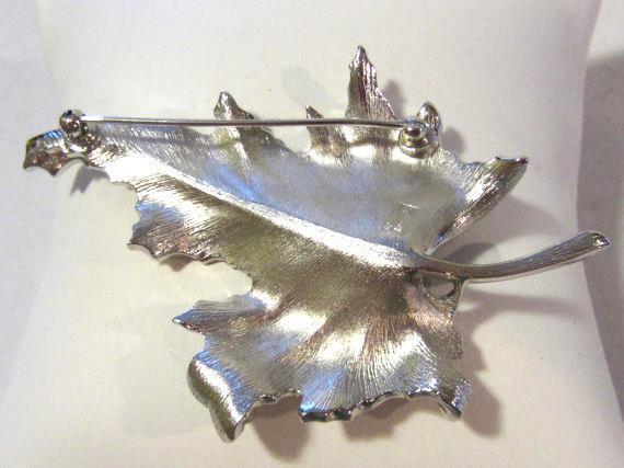 Vintage jewelry silvertone signed Trifari leaf brooch