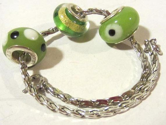 Lovely sterling silver 925 bracelet w/ 3 glass beads charms