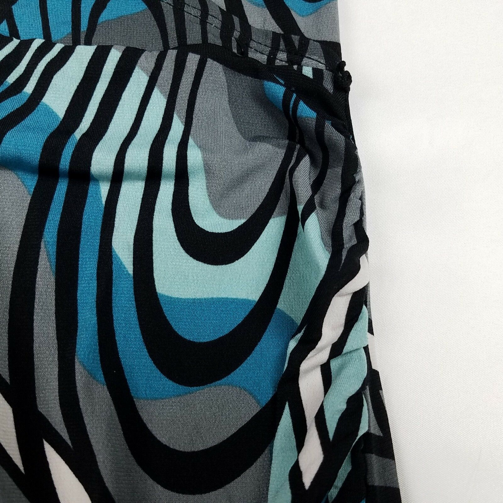 New Womens Maternity Gray Ivory Sweater Liz Lange Neck NWT Size S M L XL XXL