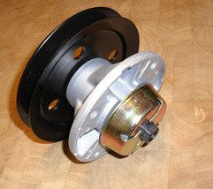 Deck spindle for John Deere LX172, LX173, LX176, LX178 LX186, AM121342, ... - $72.18