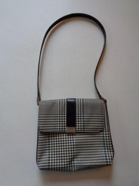 0041cf78f5 Lauren Ralph Lauren Houndstooth Purse Shoulder Bag Black White Blue Snap  Closure