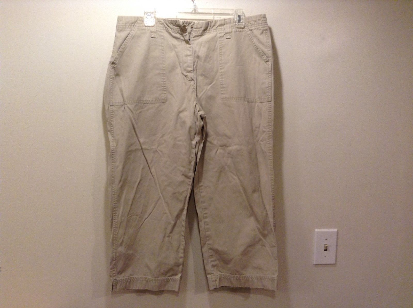 Eddie Bauer Ladies Casual Cropped Pants Sz 14