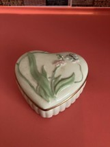 LENOX PORCELAIN HEART SHAPED TRINKET BOX (C6) - $32.00